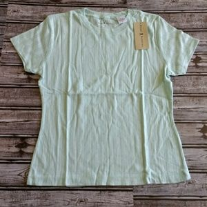 Tops - NWT mint green size medium top (F225)